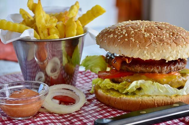 Immer mehr Jugendliche werden durch Fast Food schwer krank